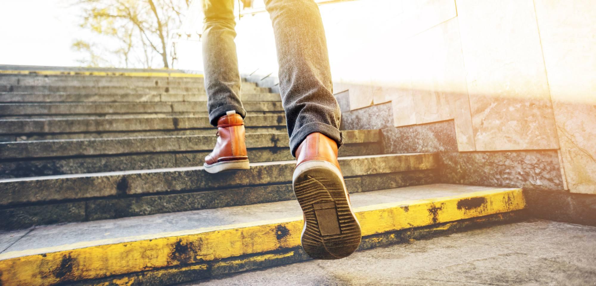 Почему не переодевают уличную обувь дома