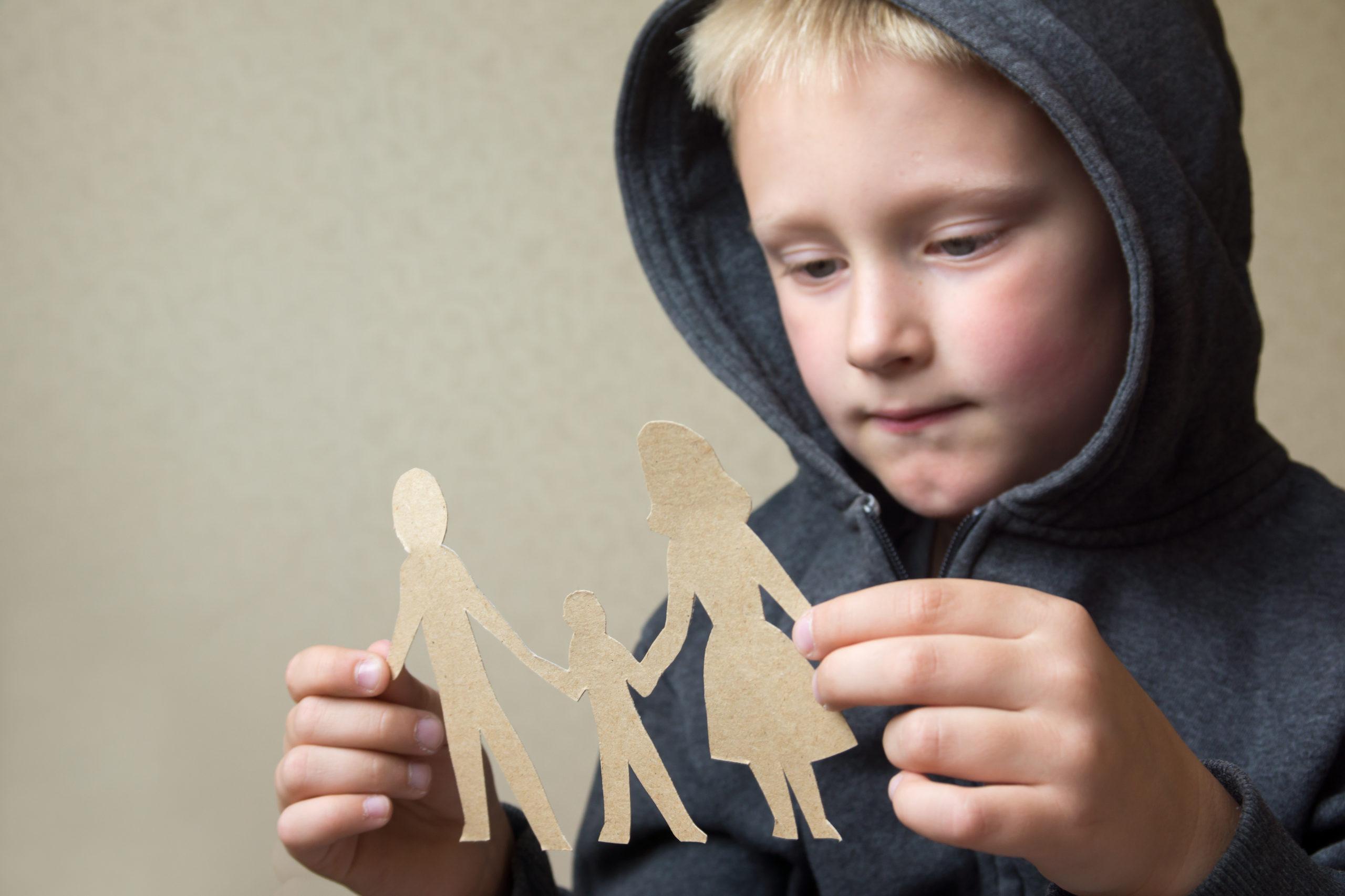 Как оградить ребенка от манипулирования родителями