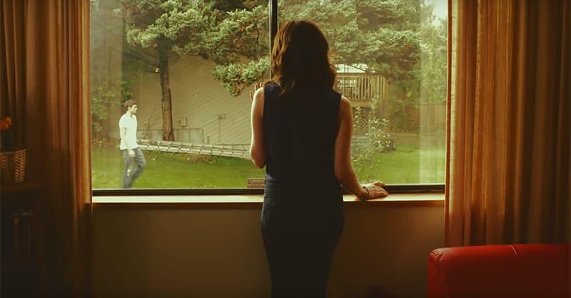 Почему так сильно скучаешь по человеку
